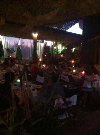 Vecchiano, Italy: cena in veranda