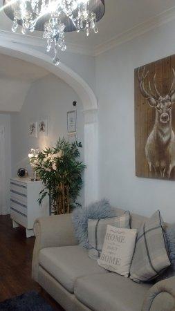 Dores, UK: Reception Hallway