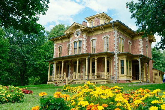 Urbandale, IA: Flynn Mansion in the summer