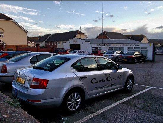 Castle Cabs, Llandudno Junction