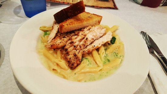 Hamburg, NY: Chicken & Broccoli Penne