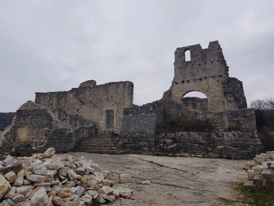 Kanfanar, Croatia: Church from main square