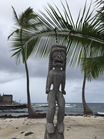 Honaunau, Χαβάη: tradition figure at the edge of the sea