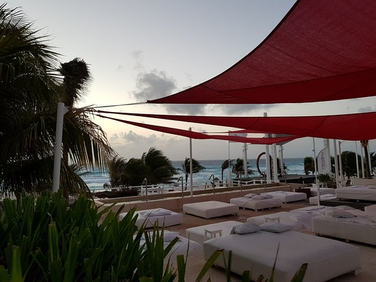 Grand Oasis Cancun Beach Club