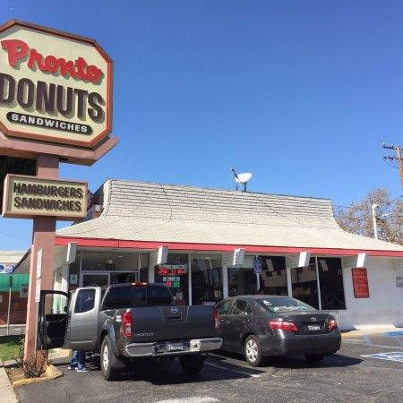 Монтерей-Парк, Калифорния: Old school donut shop