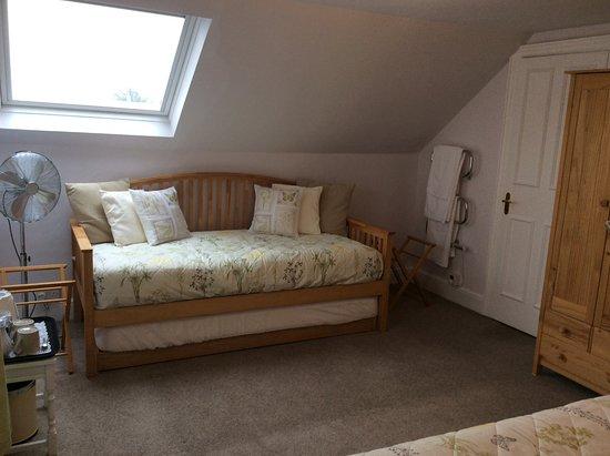Moretonhampstead, UK: 'Mardon' Double junior suite / Family Room - Daybed