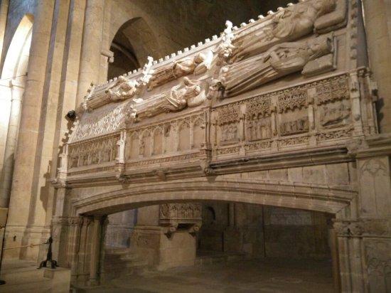 Real Monasterio de Santa María de Poblet: IMG_20180221_160614_large.jpg