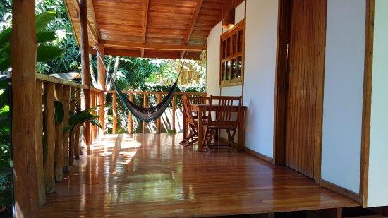 Surf casitas santa teresa costa rica foto 39 s en for Hotel casita amarilla