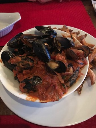 Peasant Cookery: mussels and Fries