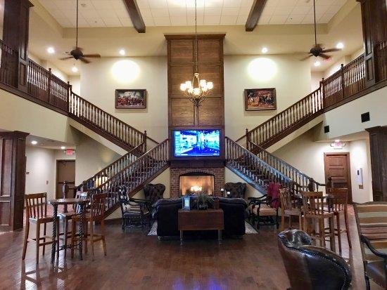 Graham, TX: Hotel Foyer