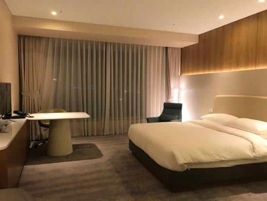 Grand Hyatt Seoul: Lovely spacious room