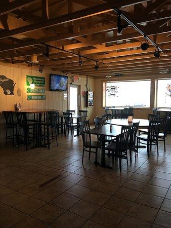 Elkhorn, WI: Pepperoni Pub