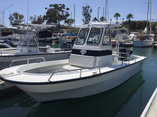 21 Maritime Pioneer Center Console Pilothouse For Rent Picture