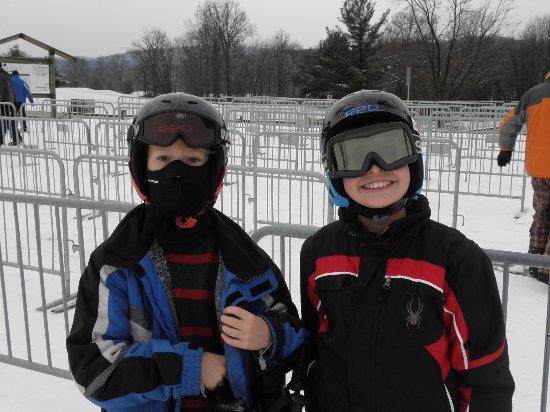 Carroll Valley, PA: Ski buddies
