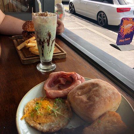 Ellerslie, New Zealand: The food is shrinking