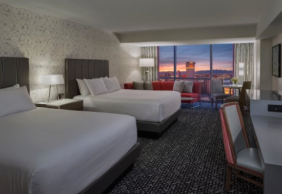 Newly Renovated Flamingo Executive Room 2 Queens
