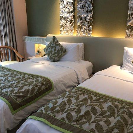 Shangri-La's Rasa Sentosa Resort & Spa: photo0.jpg