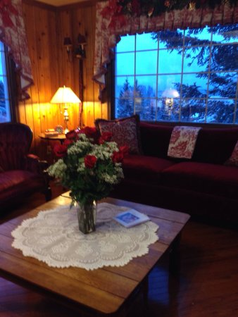 Beary Patch Bed and Breakfast: Great food, lovely relaxing accommodations, and good folks! What more could a person want?