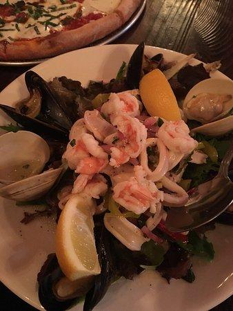 Napoli Trattoria & Pizzeria: seafood salad