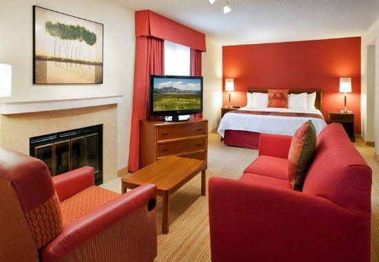 Residence Inn Boulder: Guest room