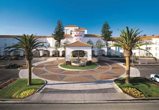 San Mateo, CA: Exterior