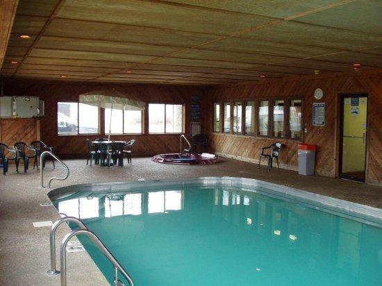 Centerville, IA: Pool