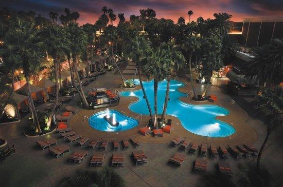 Treasure island ti hotel casino 108 1 7 5 for Pool show las vegas 2018