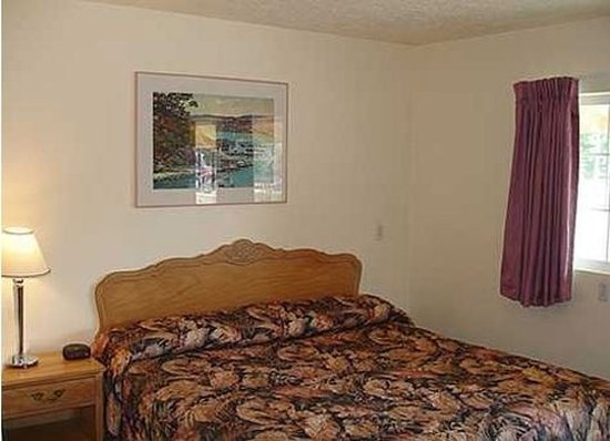Lucerne, CA: Guest room