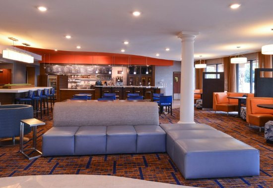 Monroeville, PA: Lobby