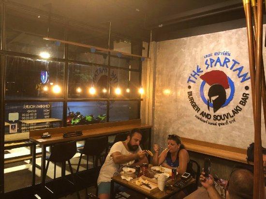 The Spartan - Burger and Souvlaki Bar张图片