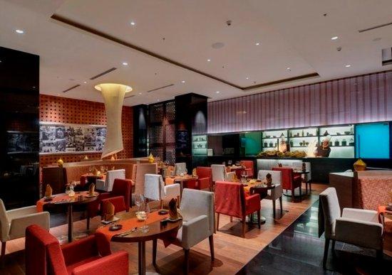 Novotel Hyderabad Airport: Restaurant