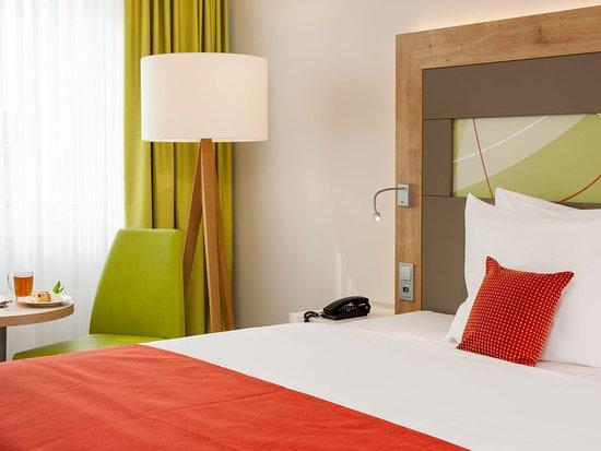 Mercure Hotel Saarbruecken City : Guest room