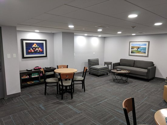 Homewood Suites Williamsburg: Media Room
