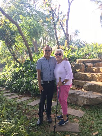 Sai Thai, تايلاند: Great GM looking so well after mum. Talking her for a walk and excersise around the property