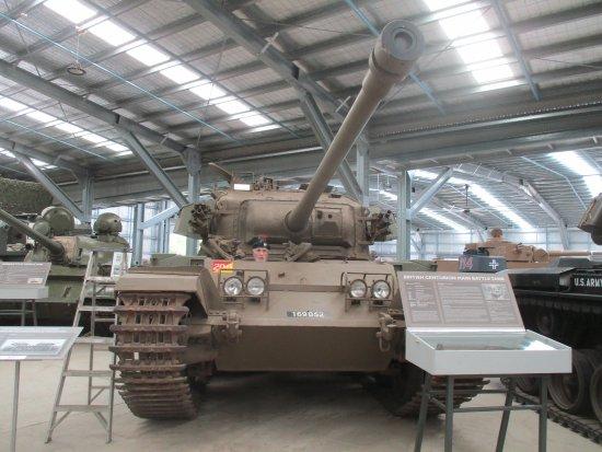 Cairns District, Australien: Peter in the driver's seat Centurion Tank.