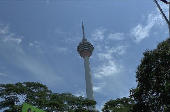 Great Kuala Lumpur Tour with 21 Attractions: The Grand Kuala Lumpur and Batu Caves Tour with KL Tower Ticket & Local Lunch