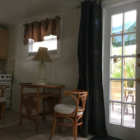 Prime Photo1 Picture Of The Duval House Key West Tripadvisor Download Free Architecture Designs Scobabritishbridgeorg