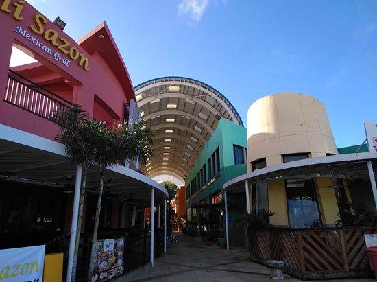 Acanta Mall
