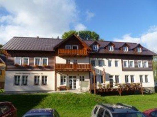 Korenov, Czech Republic: Pension Sokolovna Bowling Bar Polubny