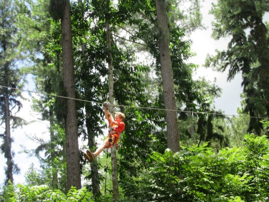 Tiki Parc Moorea: On one of the zip lines