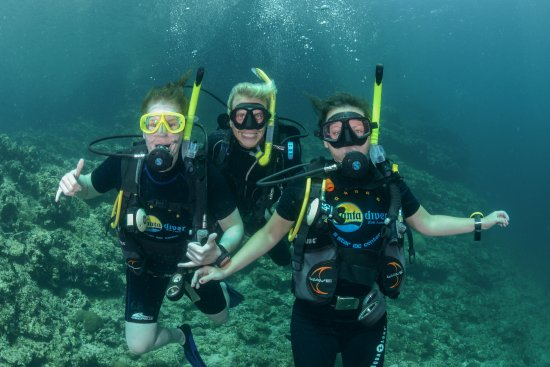 Lanta Diver: Me, Markus and my new diving buddy Agnes - We couldn't be happier!