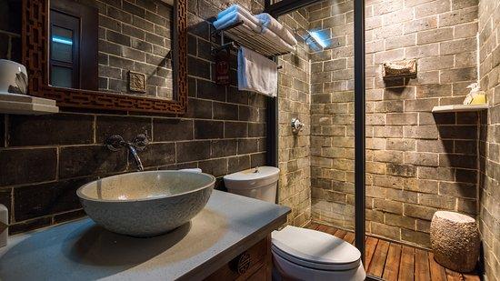 The Linden Centre: Bathroom