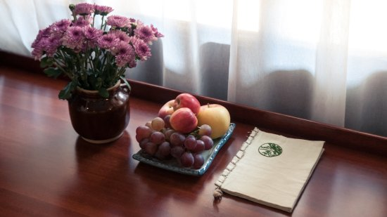 The Linden Centre: Every room comes with a welcome plate of fresh fruit