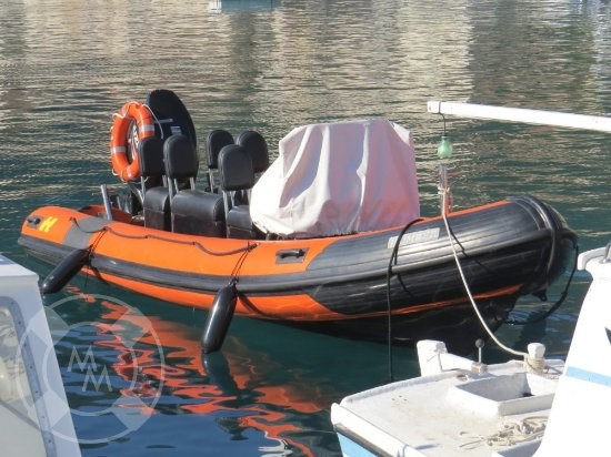 Comisa, Kroatien: This is our fast and furious RIB speadboat! We use it for tours and transfers.