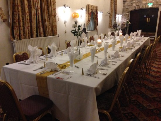 Thornbury, UK: We added balloons, a couple of banners and party poppers otherwise the room was prepared by the