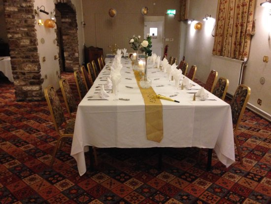 Thornbury, UK: The Avon room ready for our celebration. All we added were balloons and a couple of banners