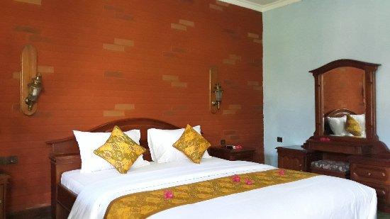 Temukus, Indonésie : Bagus Beach Resort
