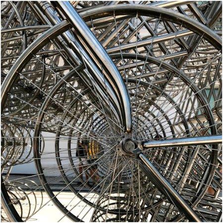 Fundacion Proa: Instalación exterior de Ai Wei Wei