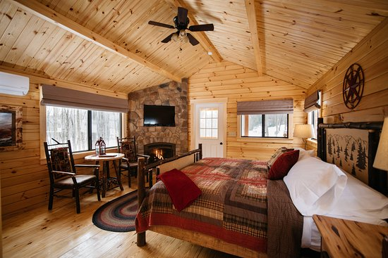 Stahlstown, PA: Cabin 1