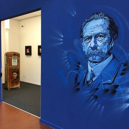 Cité de l'Automobile - Collection Schlumpf: L'artiste C215 expose actuellement à la cité de l'automobile